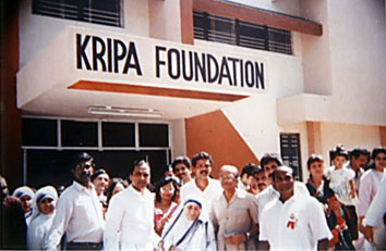 Kripa Foundation people with Mother Teresa